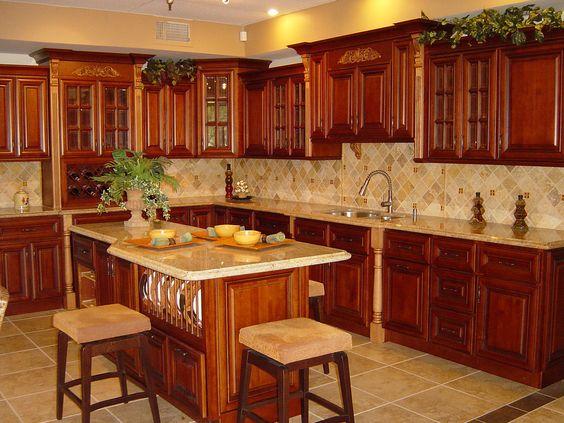 Tủ bếp cổ điển gỗ xoan đào bàn đảo