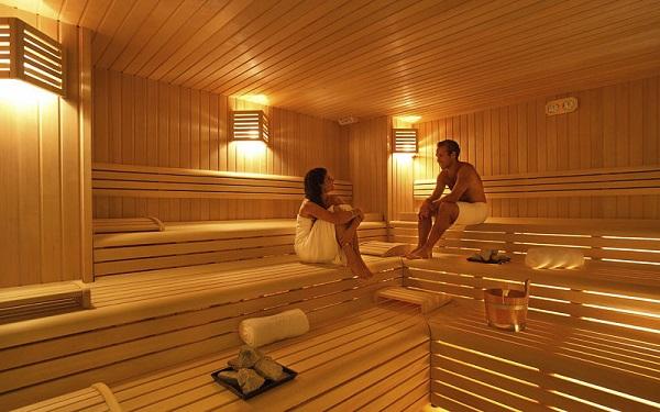 Mẫu phòng xông hơi khô gỗ thông tự thiết kế